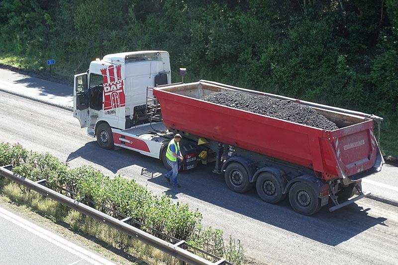 RiWi GmbH - Straßenarbeiten auf der Autobahn